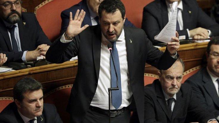 Göçmen taşıyan kendi gemisine liman izni vermeyen aşırı sağcı Salvini'nin dokunulmazlığı kaldırıldı