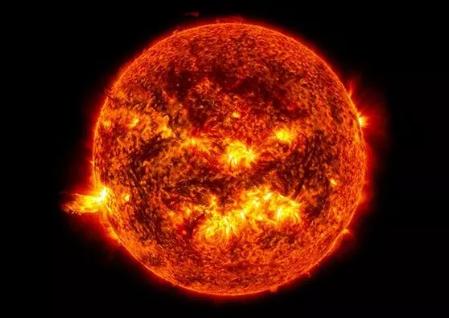 Güneş'te patlama: Birkaç gün içinde dijital hayat durabilir