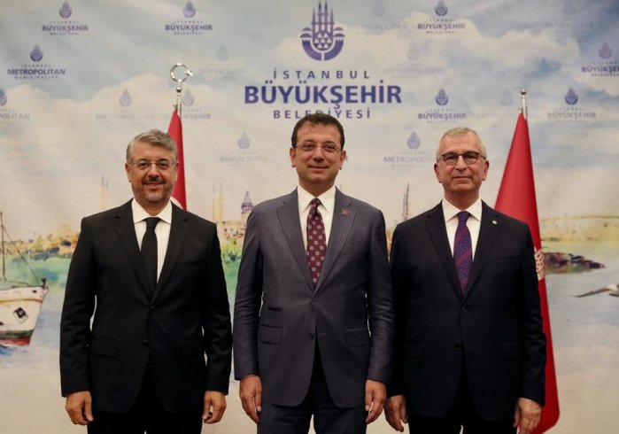 İBB Genel Sekreterliği'nde devir teslim töreni gerçekleşti, İmamoğlu açıklama yaptı: Eleştirilerin hepsine verilecek cevabım var