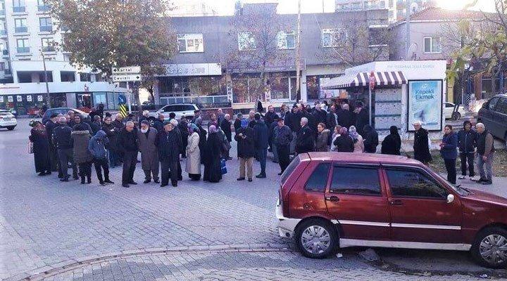 İBB'nin yeni Halk Ekmek büfeleri açmasına AKP ve MHP'den engel