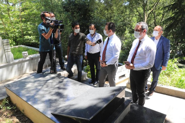 İmamoğlu: 'Orhan Veli'nin mezarını maneviyatına uygun şekilde tasarlamak bizim bir borcumuz'