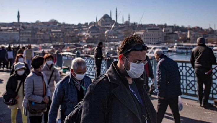 'İstanbul'daki her 100 kişiden 1'inde koronavirüs var'