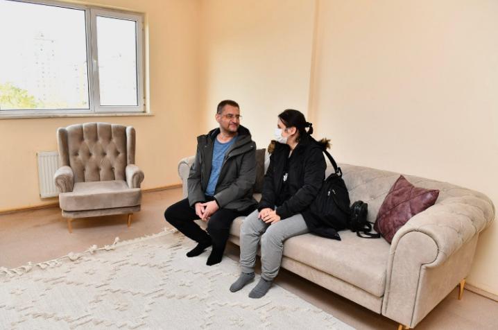 İzmir'de 160 depremzede aile Uzundere konutlarına yerleşti