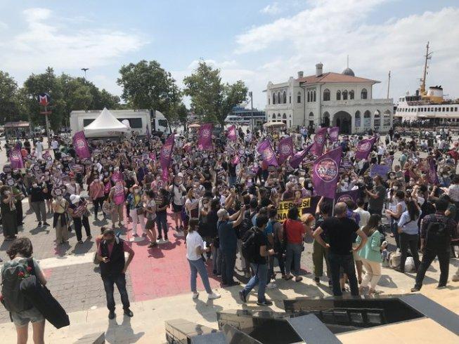 Kadınlardan İstanbul Sözleşmesi'nin geri çekilmek istenmesine tepki