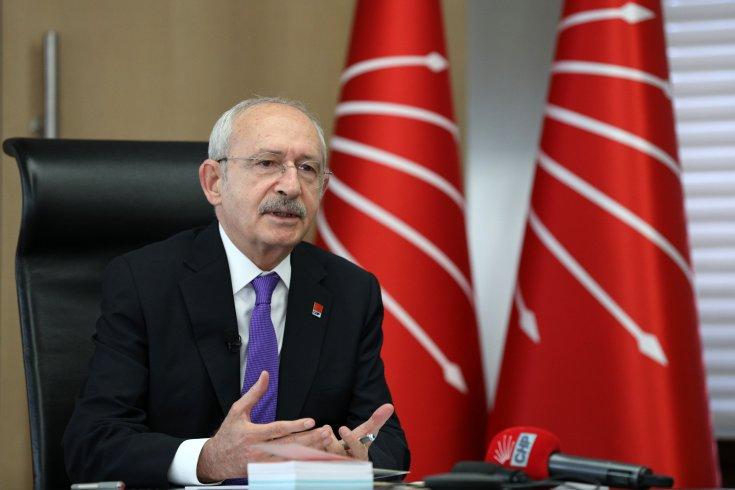 Kılıçdaroğlu, CHP'nin kadın milletvekilleri, 81 ilin kadın kolları başkanları ile görüştü