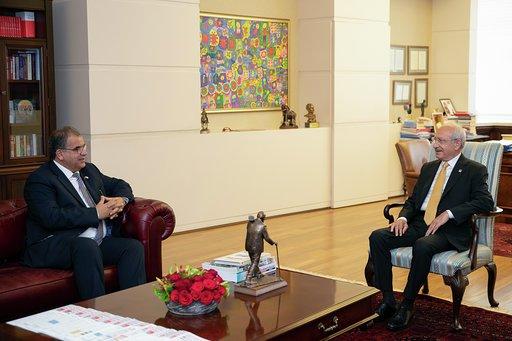 Kılıçdaroğlu, KKTC Çalışma ve Sosyal Güvenlik Bakanı Faiz Sucuoğlu'nu kabul etti