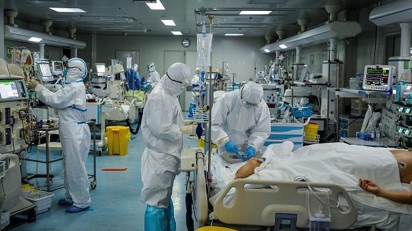 Koronavirüs salgınında ölenlerin sayısı 382 bini aştı
