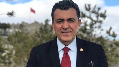 Koronavirüse yakalanan Ardahan Belediye Başkanı Faruk Demir hastaneye kaldırıldı