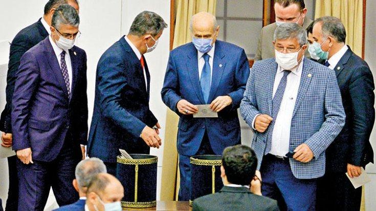 Meclis'te bir ilk: Bahçeli, İYİ Parti'nin teklifine 'kabul' oyu verdi