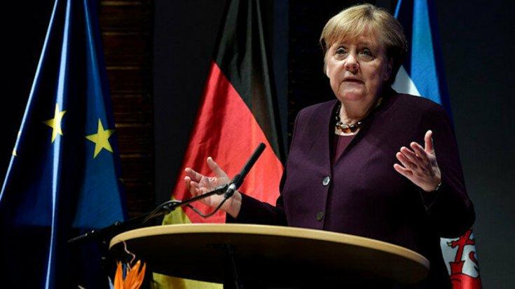 Merkel'den Libya'daki taraflara konferans daveti