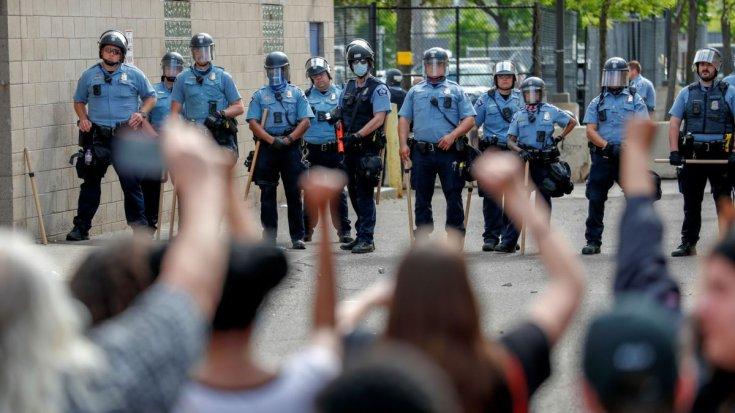 Minnesota'daki protestoların ikinci gününde bir kişi hayatını kaybetti
