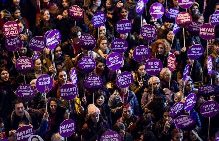 Mor Çatı'dan İçişleri Bakanlığı'na: Kadınların şiddet şikayetleri alınmıyor
