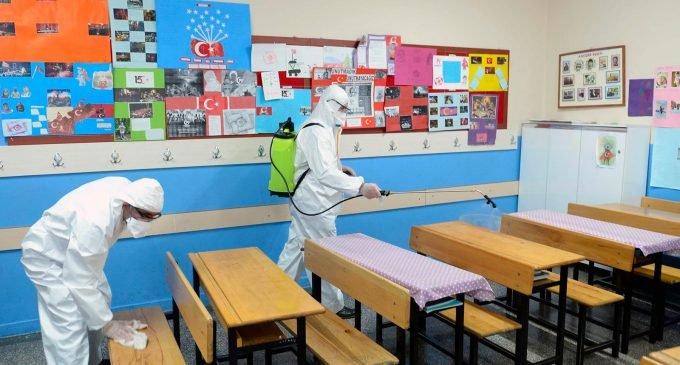 Okul kaydı için istenen evrak listesinde yer aldı: 12'li tuvalet kağıdı, çamaşır suyu, kolonya…