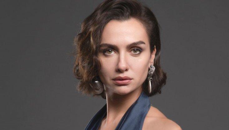 Oyuncu Birce Akalay'dan Türkan Saylan paylaşımı: 'Cumhuriyet'e borçlu bir kadın olarak onu saygı ve minnetle anıyorum'