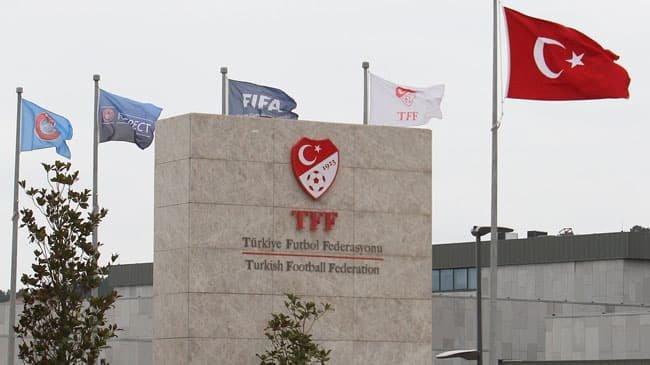 PFDK'dan Beşiktaş ve Fenerbahçe'ye para cezası