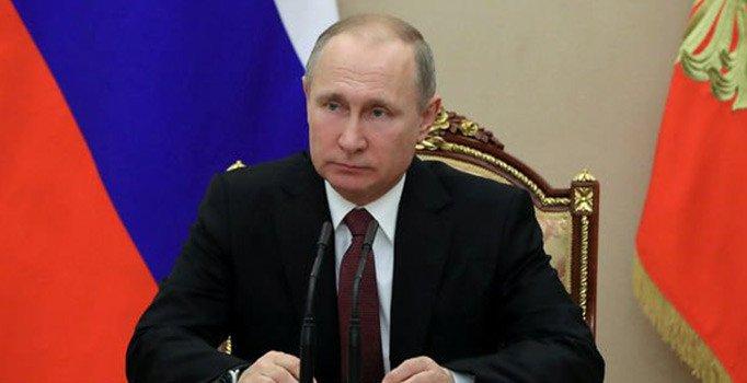 Putin duyurdu: Toplu aşılamaya yıl sonunda başlamayı umuyoruz