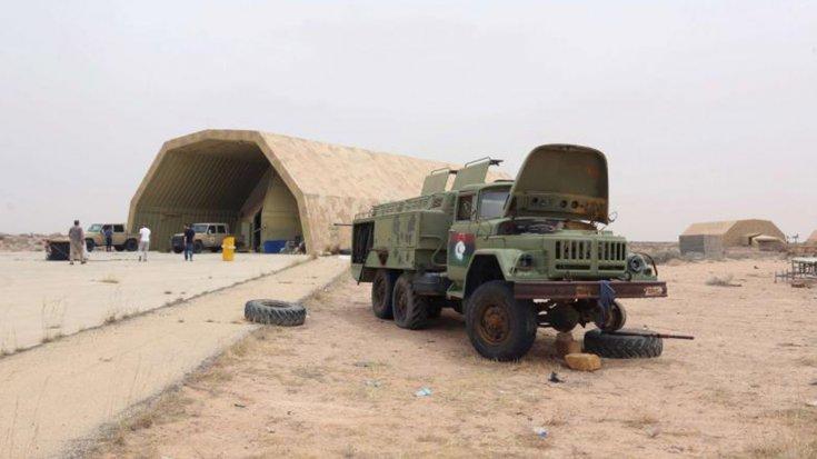 Reuters: Libya'da kimliği belirsiz savaş uçakları, Türk askerlerinin bulunduğu Vatiya Hava Üssü'nü vurdu