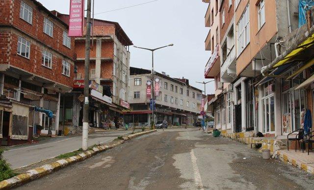 Rize'de, 'koronavirüs' karantinasındaki belde ve 4 köyde hayat durdu