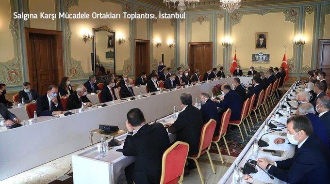 Sağlık Bakanı Koca; 'İstanbul Valisi, İBB Genel Sekreteri, 39 ilçenin belediye başkanı, salgınla mücadelenin tüm ortakları, bir araya geldik, kurumlar ve şehir halkı, riske karşı organize olmalıyız'