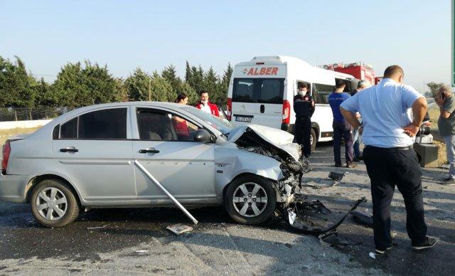 Silivri'de işçileri taşıyan servis kaza yaptı: 7 yaralı var