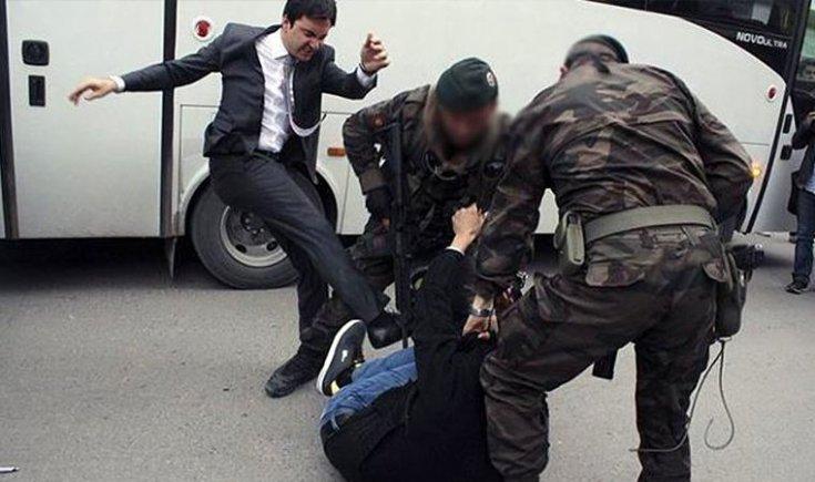 Soma'da madenci yakınını yerde tekmeleyen Erdoğan'ın eski müşavirinden 'George Floyd' paylaşımı: Kötülüğün sıradanlığı
