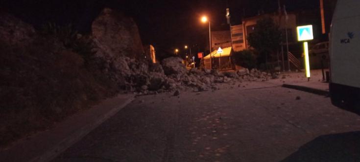 Sulukule yakınındaki tarihi surların bir bölümü yıkıldı