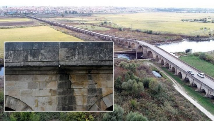 Tarihi Uzunköprü'nün taşları dökülmeye başladı