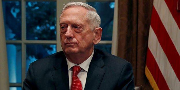 Trump'ın ilk savunma bakanı Mattis: ABD Başkanı bizi bölmeye çalışıyor