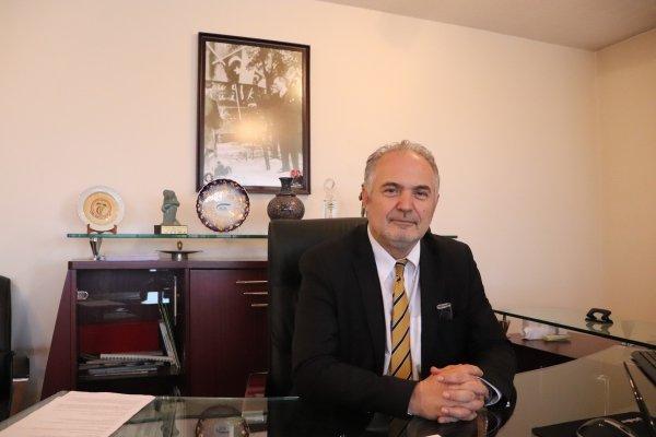 TTB Başkanı Sinan Adıyaman: Sağlık Bakanlığı Covid'le ilgili durumu kendi istediği gibi yansıtmaya çalışıyor