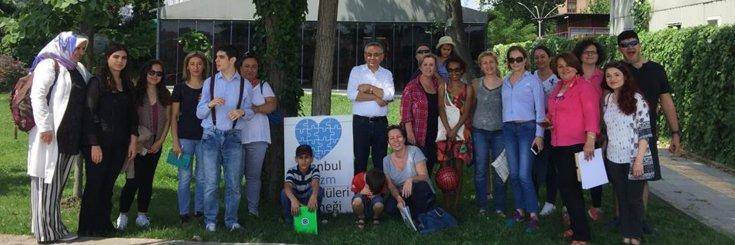 Türkiye Otizm Anneleri Topluluğunun Duyurusu; #SesimiziDuyun