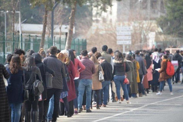 Üniversiteli işsizler ordusu çığ gibi büyüyor