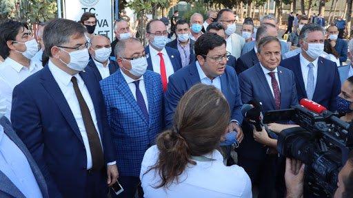 Yolsuzluğu ortaya çıkartmasının ardından görevinden uzaklaştırılan CHP'li Vefa Salman'ın sanık olduğu ilk duruşma başladı