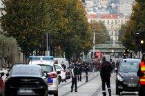 Fransa'da bir kilise yakınlarında bıçaklı saldırı: 3 kişi hayatını kaybetti