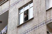 Geçmiş olsun ziyaretine giden 8 kişiye koronavirüs bulaştı, apartman karantinaya alındı