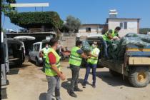 İzmir'de üreticiden alınan 48 ton salatalık 34 mahalledeki ihtiyaç sahibi ailelere dağıtıldı