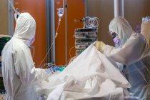 Koronavirüs salgınında ölü sayısı 981 bini, vaka sayısı 32 milyonu aştı