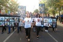 Mısra Öz'den 15 Temmuz tasarımlı tişörtler bastırdığını duyuran TCDD'ye: Çorlu tren katliamına ait fotoğraflı tişörtleri de biz size gönderelim
