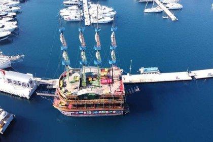 120 milyon liralık borcu olan belediye 3 milyonluk gezi teknesi aldı