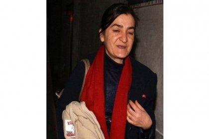 """Gazeteci Müyesser Yıldız'ın """"gizli belge yaymak"""" suçu ile tutuklu yargılandığı davanın ilk duruşması bugün Ankara 26. Ağır Ceza Mahkemesi'nde görülecek"""