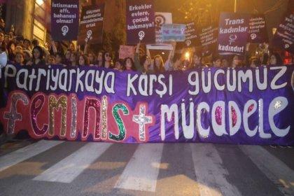8 Mart Feminist gece yürüyüşüne polis engelline rağmen binlerce kadın katıldı