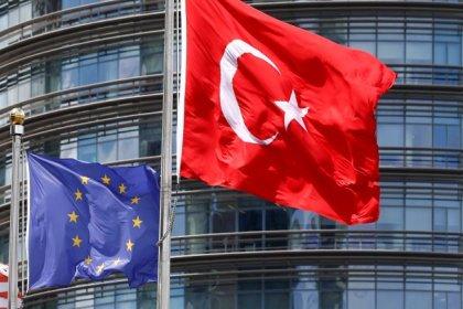 'AB, Türkiye'ye tahsis edilen fonları yüzde 75 oranında kıstı'