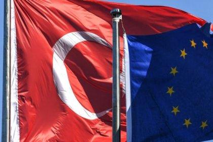 'AB, vergi konusunda adım atmayan Türkiye'yi kara listeye almayı erteleyecek'