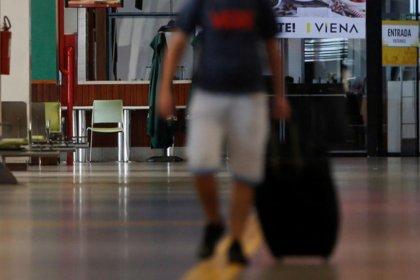 ABD, salgının Güney Amerika'daki üssü haline gelen Brezilya'dan ülkeye girişleri durdurdu