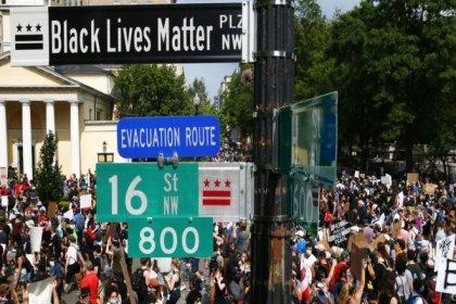 ABD'nin başkenti Washington'daki ırkçılık karşıtı protestolara binlerce kişi katıldı