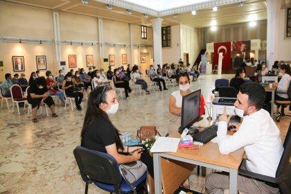 Adana Büyükşehir Belediyesi'den üniversite adaylarına ücretsiz YKS tercih danışmanlığı
