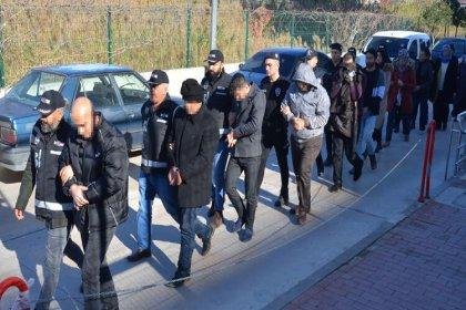 Adana'da, 14 FETÖ şüphelisi adliyede
