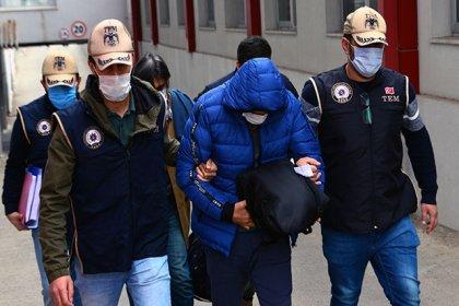 Adana'da savaş uçağı pilotu FETÖ'den tutuklandı