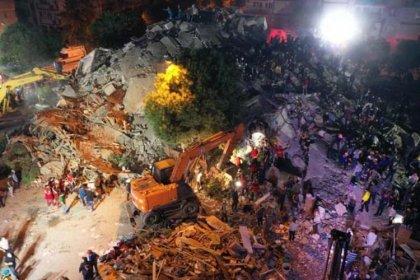 AFAD gece 01.40 itibarı ile İzmir depreminde 76 vatandaşımızın hayatını kaybettiğini duyurdu