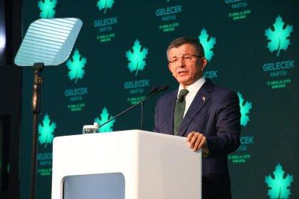 Ahmet Davutoğlu: Ekonomi yönetimi rakamlarla oynuyor