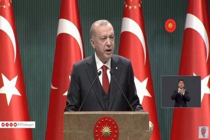 Erdoğan; Paket servis hariç lokanta, restoran, pastane, berber, kuaför, yüzme havuzu, kaplıca, internet kafe, halı saha, tiyatro, sinema gibi yerlerde hizmetler saat 22'de sona erecek